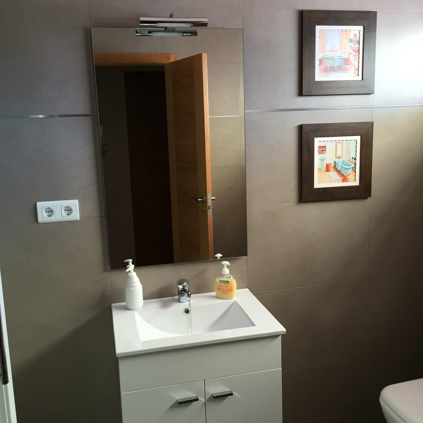 Cuarto de baño-mueble de baño